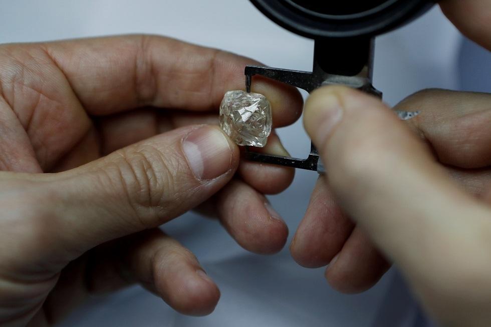 الهند وضعت عينها على الماس الروسي
