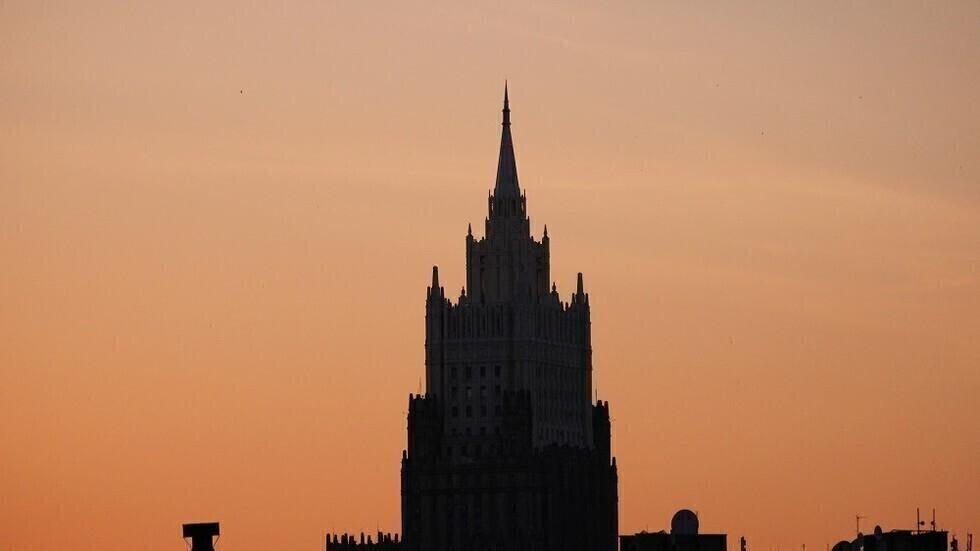 روسيا تحذر مواطنيها عقب انتشار فيروس