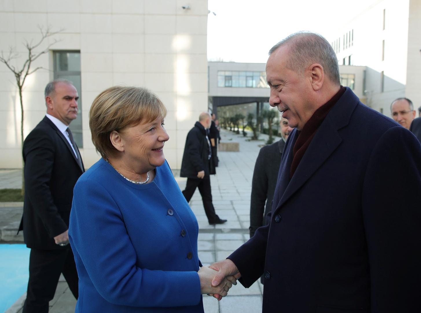 ميركل في اسطنبول لبحث ملف الهجرة مع أردوغان