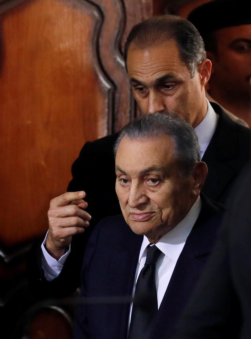 علاء مبارك: والدي أجرى عملية جراحية وحالته مستقرة