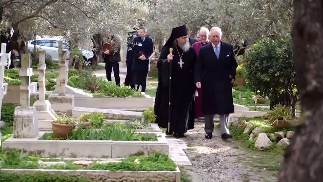 الأمير تشارلز يزور قبر جدته في القدس ويدعو للسلام في الشرق الأوسط