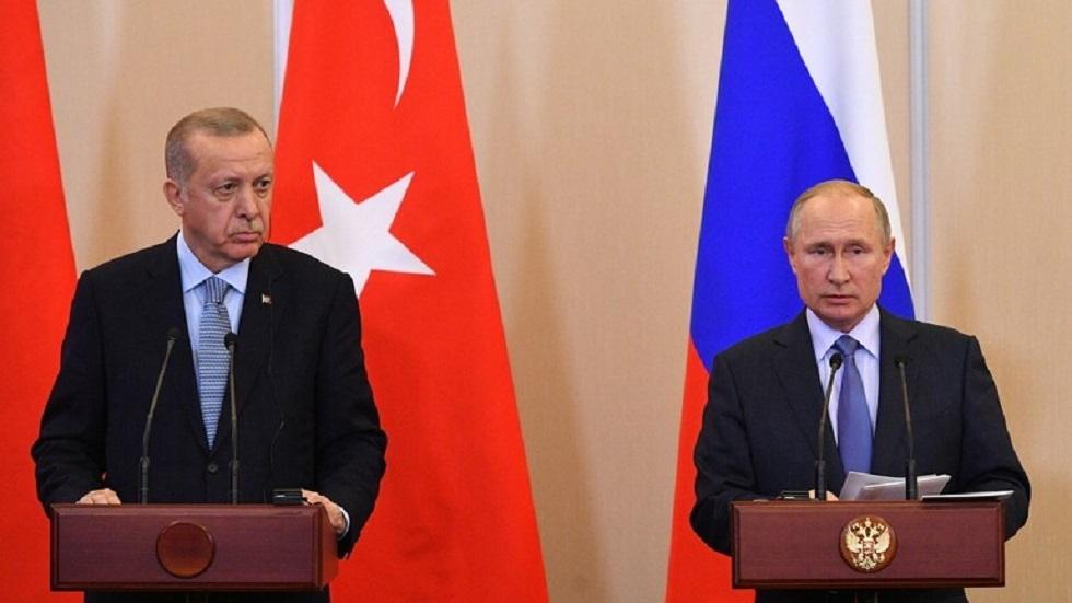 بوتين يعزي أردوغان بضحايا الزلزال الذي ضرب شرق تركيا