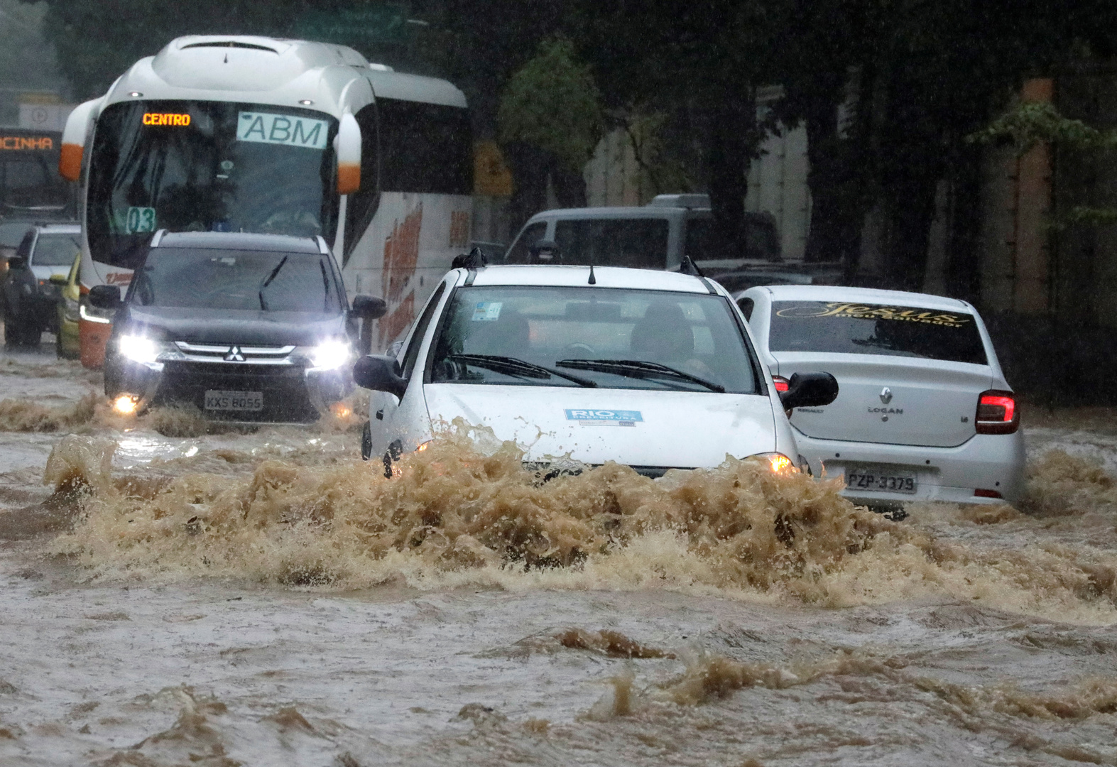 ارتفاع حصيلة ضحايا فيضانات البرازيل إلى  30 قتيلا وفقدان 17 آخرين