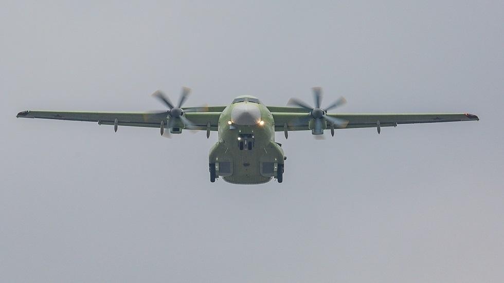 طائرة روسية جديدة للنقل العسكري تستبدل عجلاتها