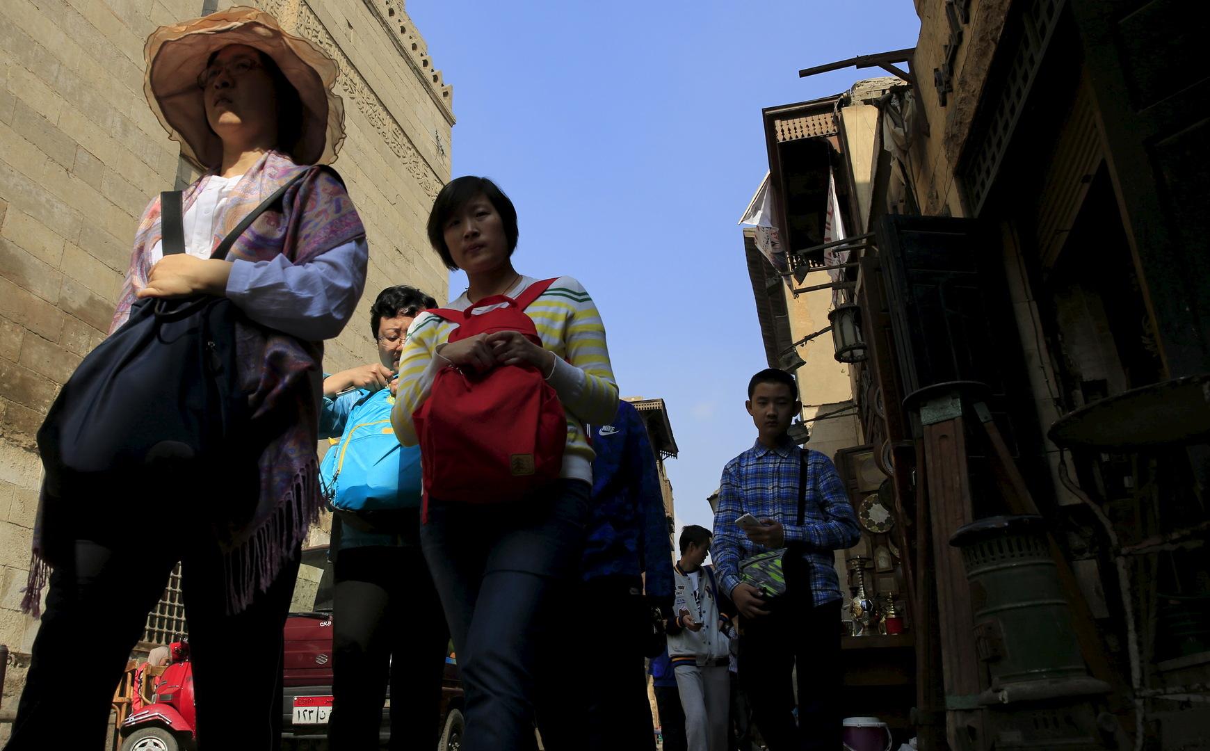 سفير الصين لدى مصر يعلن ترحيل كافة السياح الصينيين خلال 5 أيام