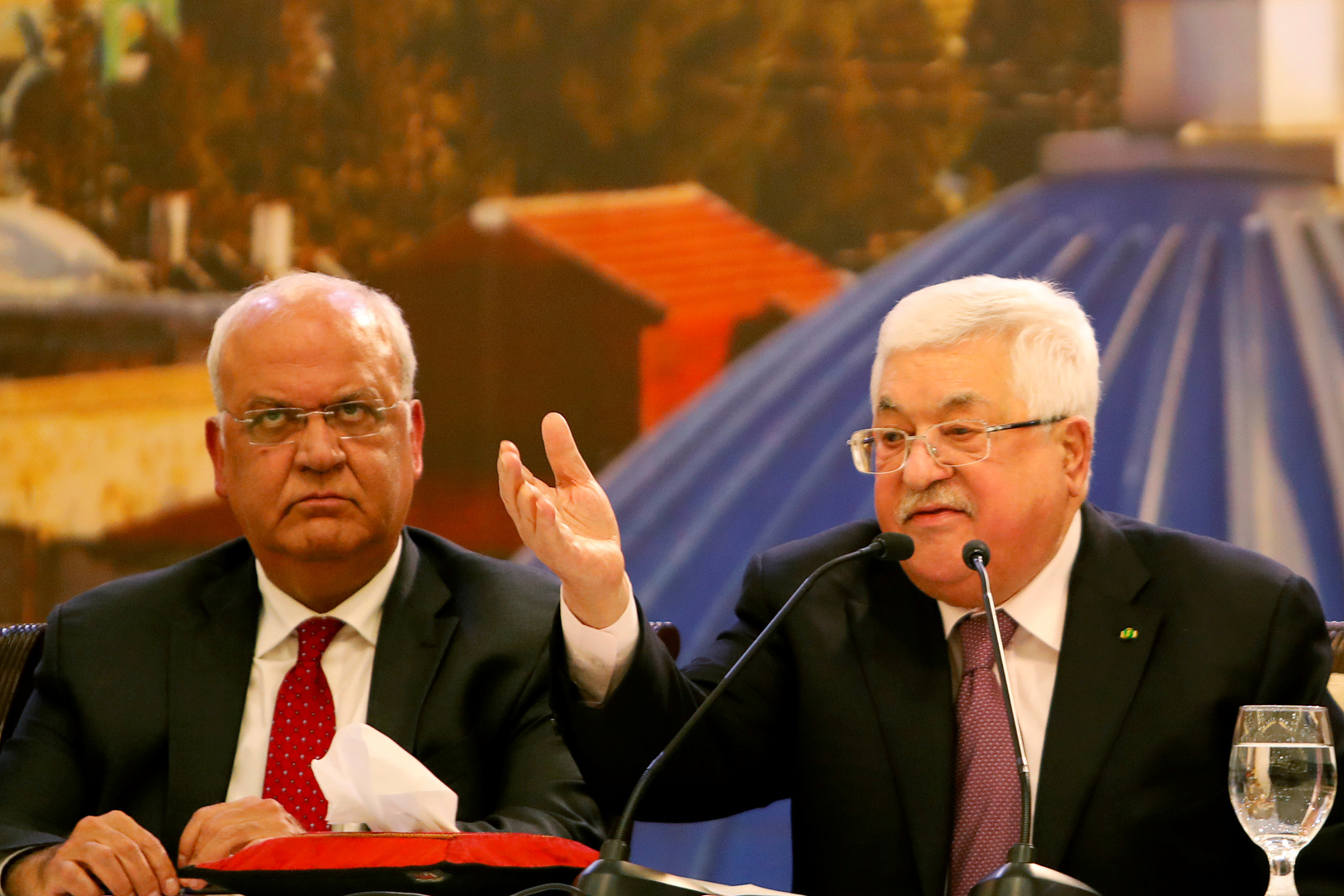 عباس: القدس ليست للبيع و