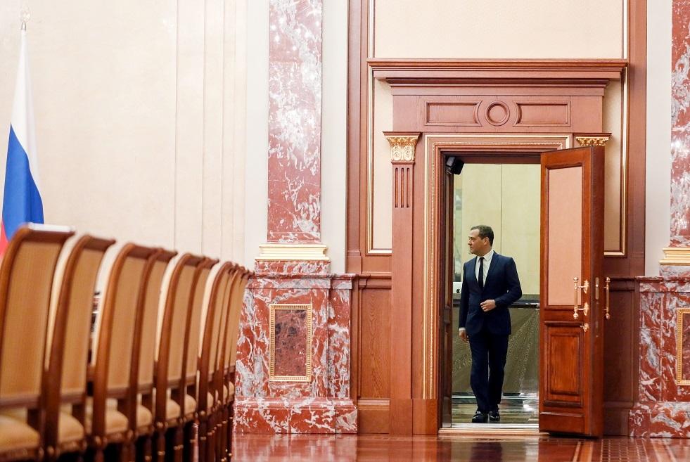 بوتين يحدد راتب مدفيديف في منصبه الجديد