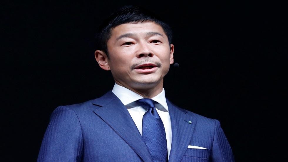 الملياردير الياباني يوقف بحثه عن فتاة تشاركه رحلة الفضاء