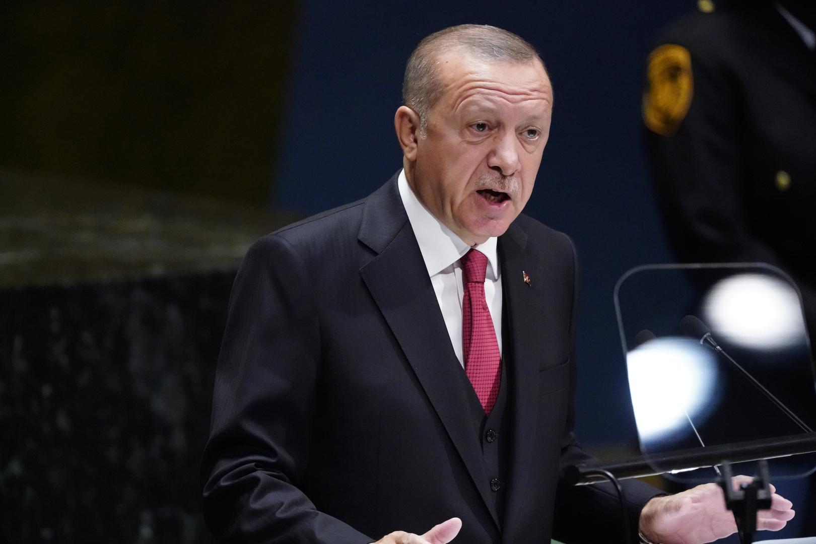 أمير سعودي يهاجم أردوغان بسبب