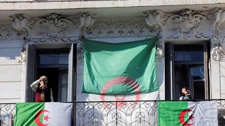 استمرار احتجاجات الجزائر للأسبوع الـ48 (فيديو)