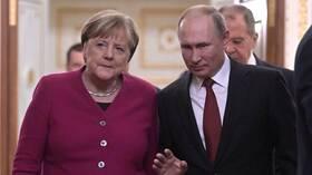 الكرملين: بوتين وميركل يبحثان مؤتمر برلين حول ليبيا