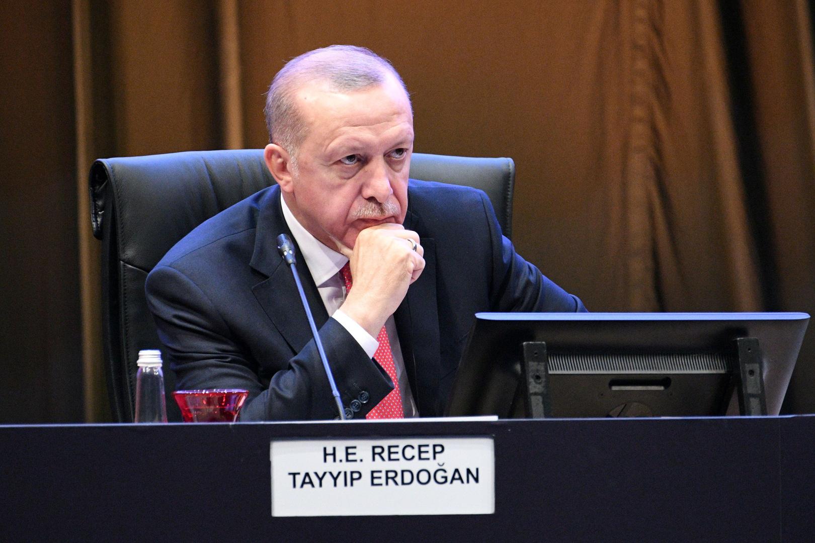 أردوغان يُعدّ حفتر مرتزقا