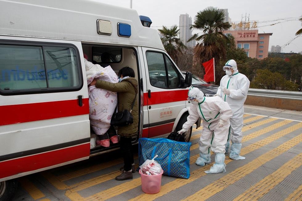 المئات يغادرون المستشفيات الصينية بعد تعافيهم من فيروس