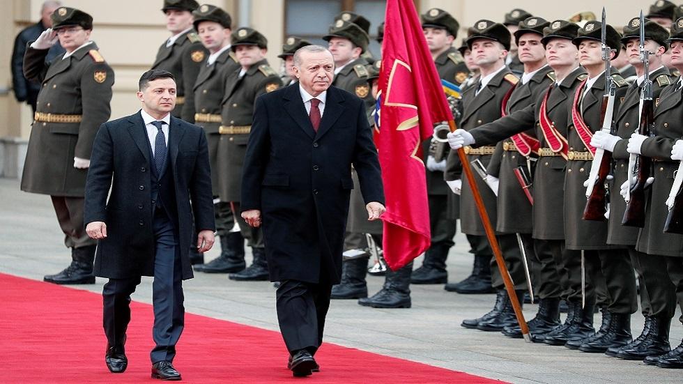 أردوغان في كييف ينطق عبارة تثير حساسية موسكو