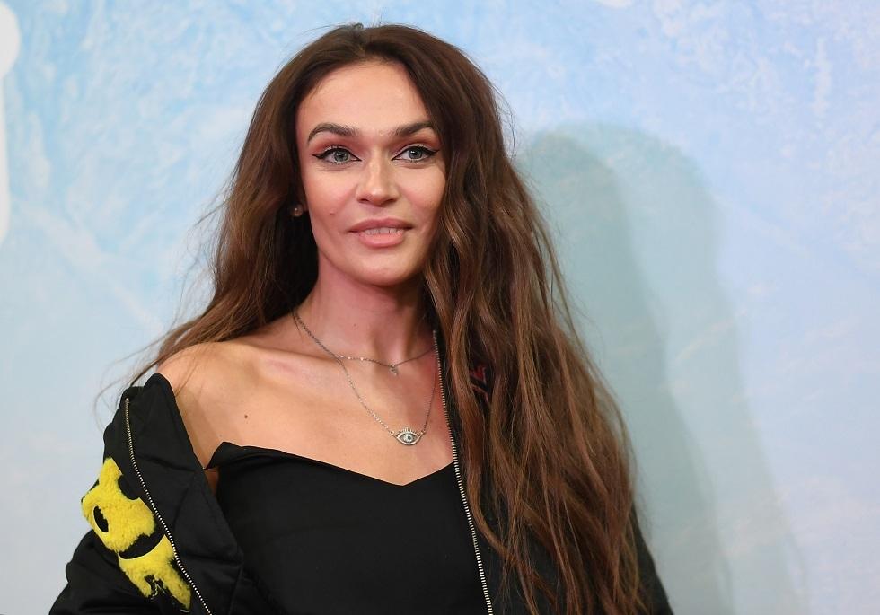 عارضة أزياء روسية: باتينسون ليس مثالا للجمال الذكوري