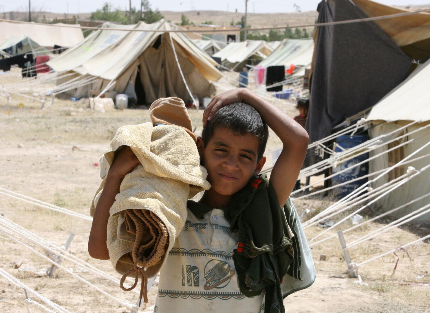 العراق.. الاستخبارات تعتقل عنصرا ينقل عائلات  داعش  من سوريا إلى العراق -