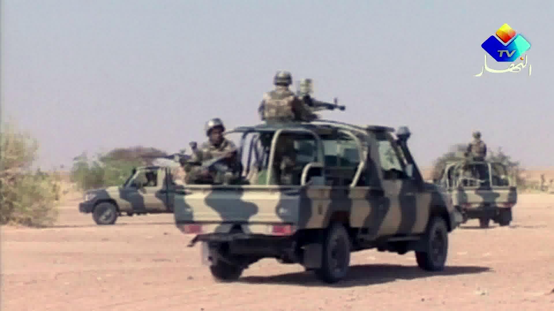 عسكريون جزائريون قرب الحدود مع مالي (أرشيف)