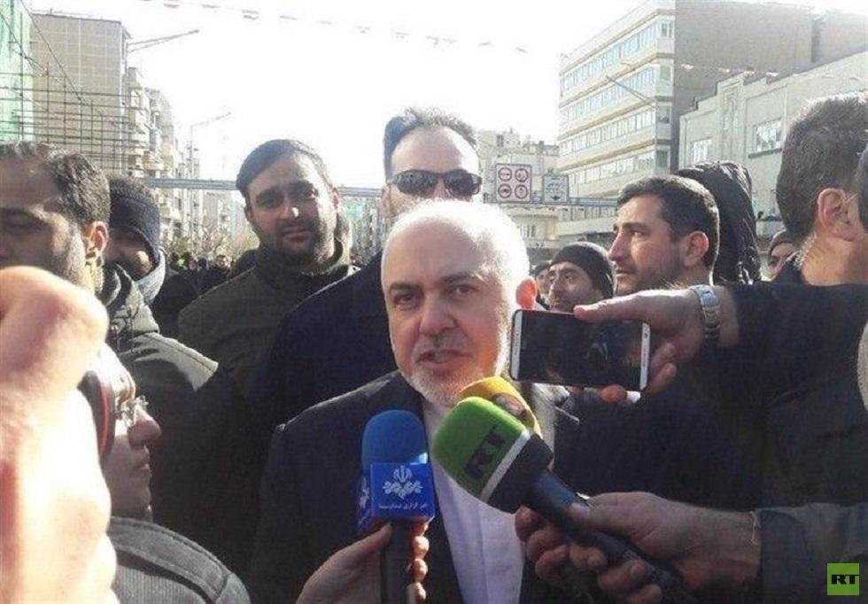طهران تنفي وجود