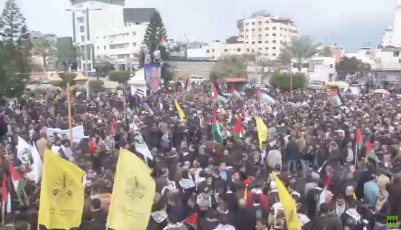 مسيرات داعمة لعباس في قطاع غزة