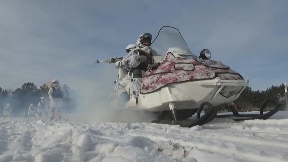 تدريبات المشاة البحرية في الشرق الأقصى الروسي