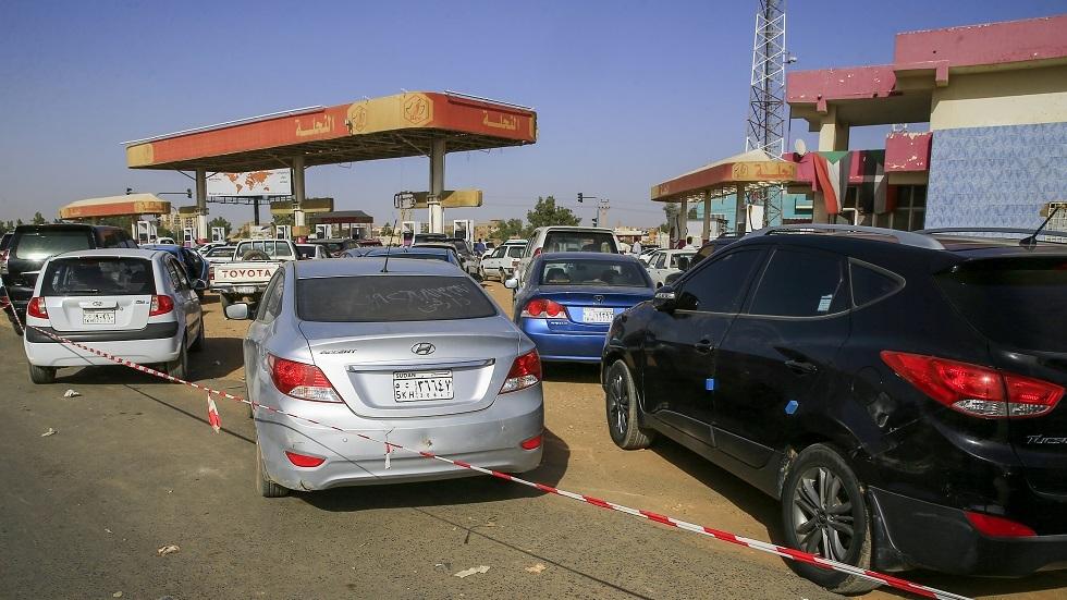 مصادر: رفع أسعار البنزين في السودان من منتصف فبراير