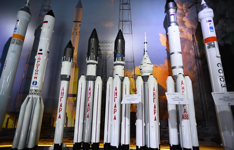 روسيا تطلق صواريخ مطورة إلى الفضاء