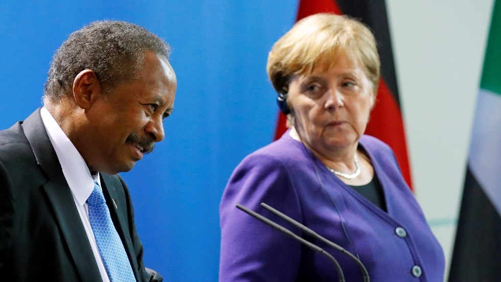 المستشارة الألمانية إنغيلا ميركل ورئيس الوزراء السوداني عبد الله حمدوك