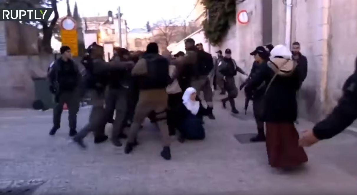 مواجهات متفرقة في الضفة الغربية احتجاجا على