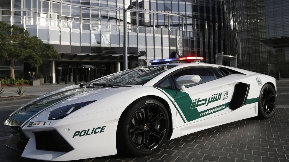 سيارة تابعة لشرطة دبي - أرشيف