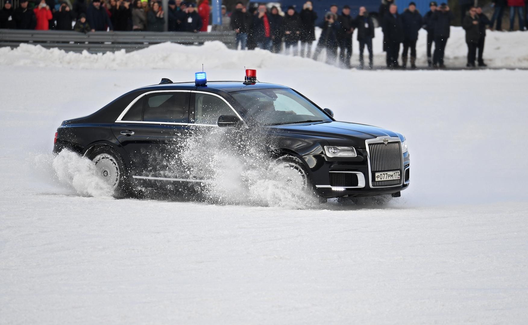 مناورات عالية السرعة بسيارة الرئيس الروسي