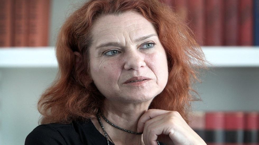 الروائية أردوغان لن تعود إلى تركيا خوفا من السجن -