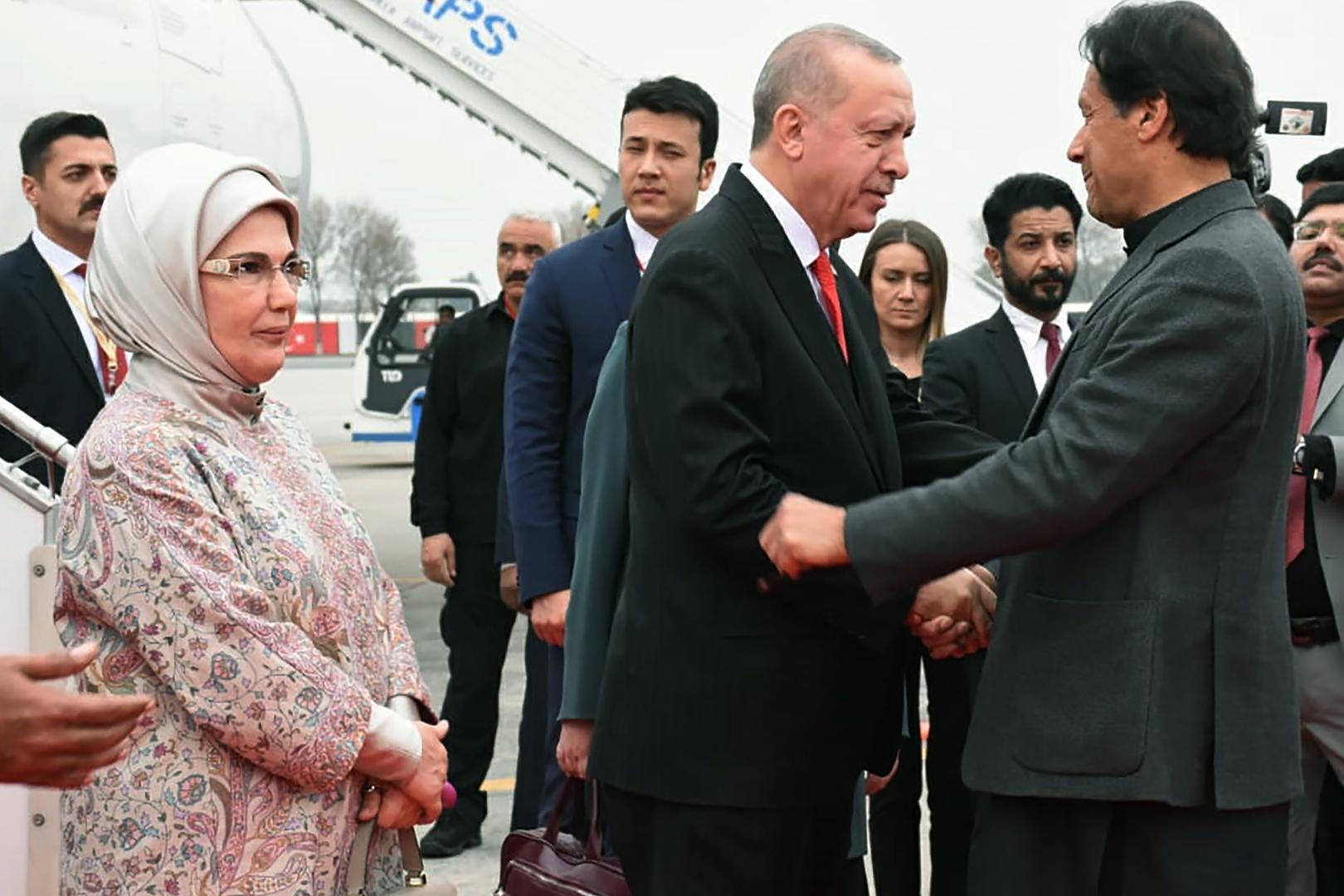 عمران خان: سيفوز أردوغان لو خاض الانتخابات المقبلة في باكستان!