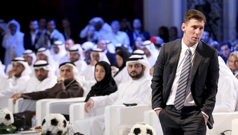 ميسي يزور دبي في خضم أزمات برشلونة