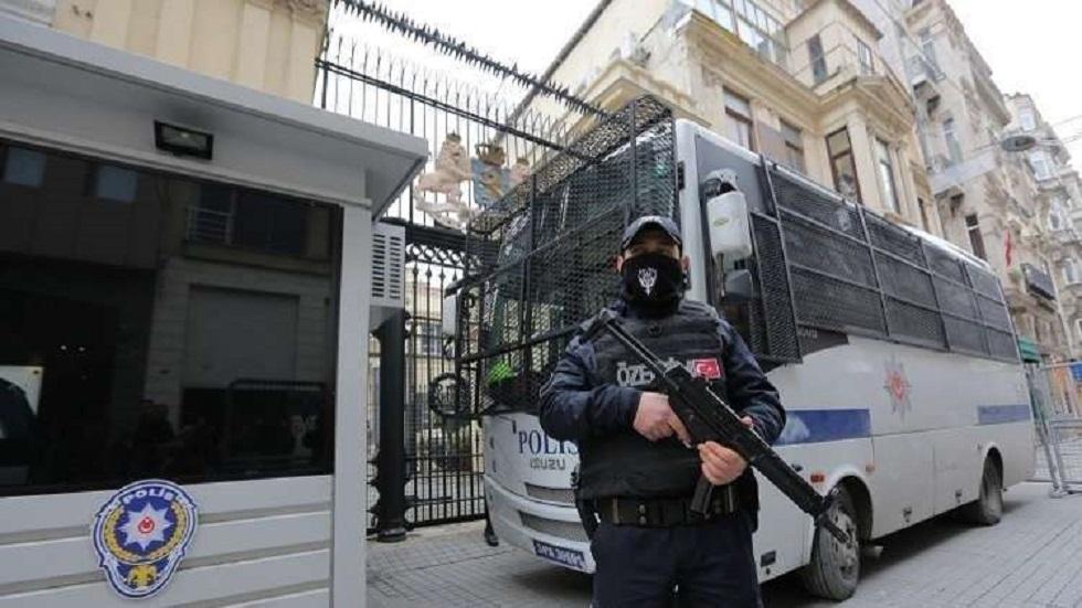 السلطات التركية تأمر باعتقال 228 شخصا للاشتباه في صلاتهم بغولن