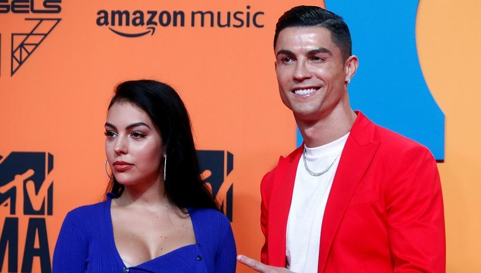 رونالدو يرصد نحو 100 ألف يورو شهريا نفقة لصديقته جورجينا