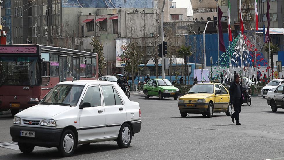 إيران تعطل المدارس والجامعات غرب العاصمة بعد حالتي الوفاة بـ
