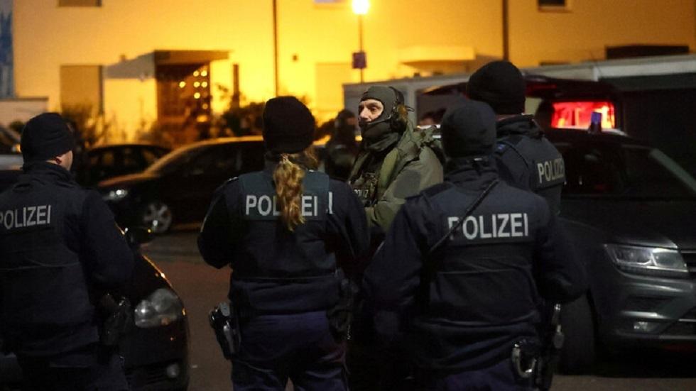 كاميرات المراقبة ترصد منفذ مجزرة هاناو بألمانيا أثناء التحضير لجريمته (صور)