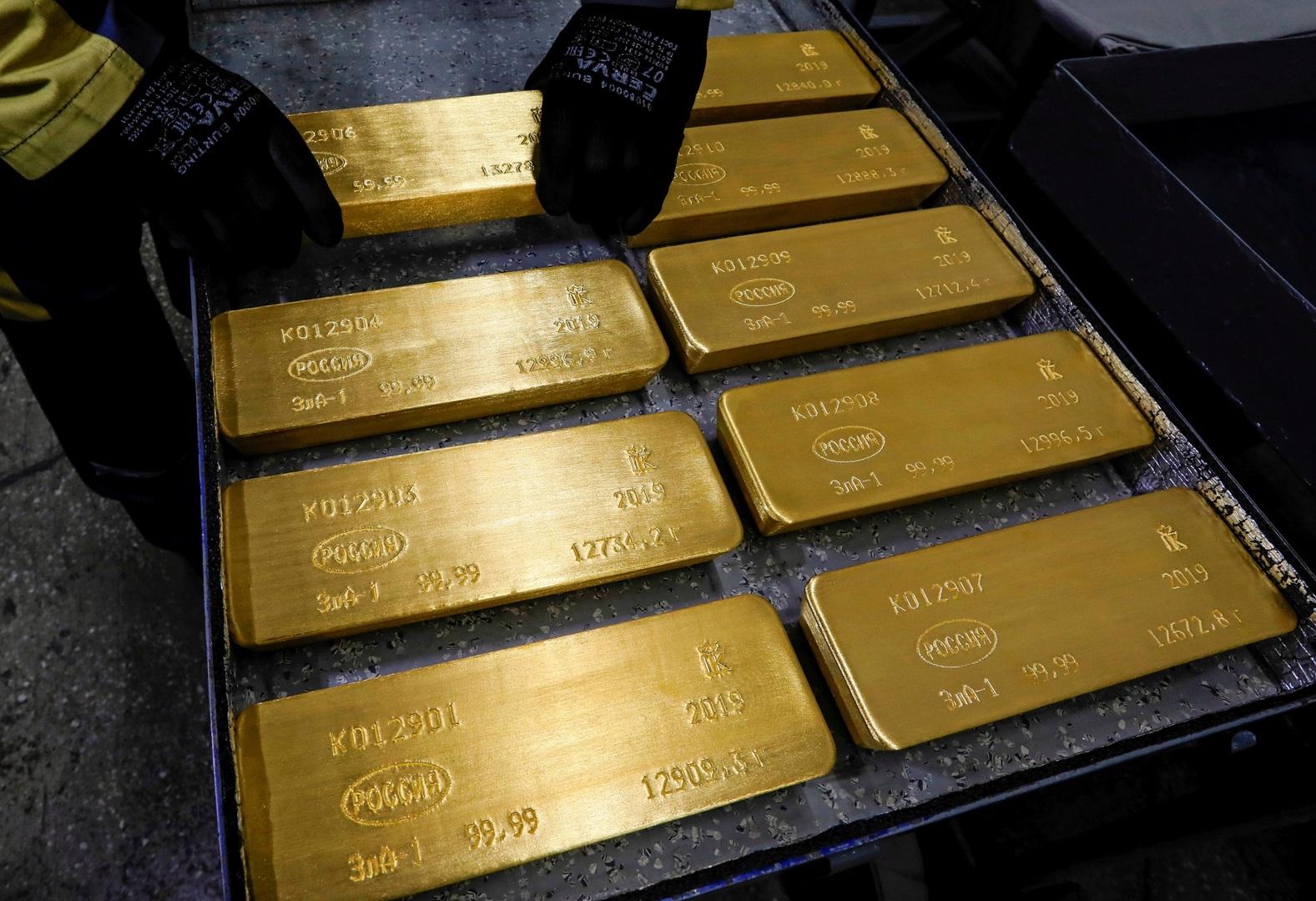 روسيا تستمر في ملء خزائنها بالذهب