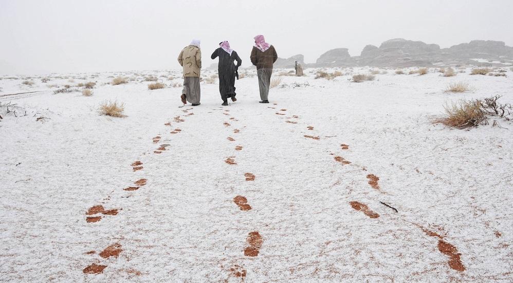 منخفض قطبي ثلجي يضرب السعودية الاثنين