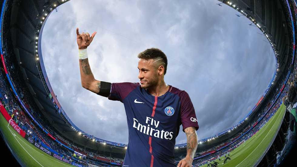 رونالدو خارج قائمة نيمار لأفضل 5 لاعبين في العالم