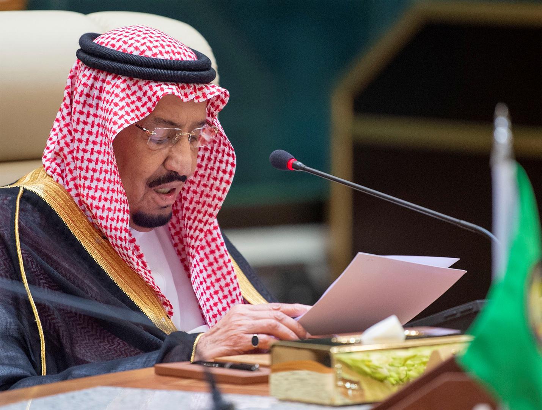 الملك سلمان يبحث تعزيز الحوار بين الأديان مع وفد يضم حاخاما