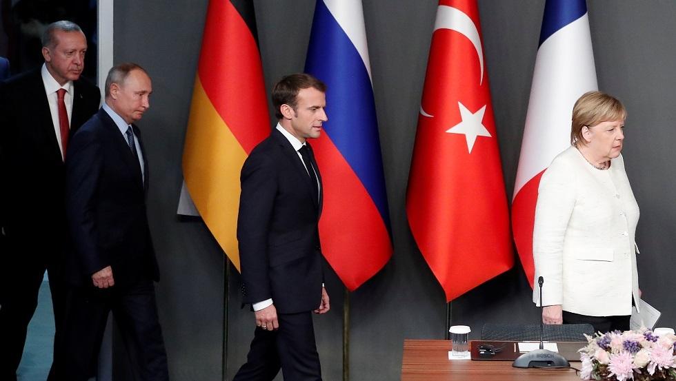 ماكرون وميركل يؤكدان لأردوغان اهتمامهما بعقد قمة رباعية مع روسيا حول سوريا