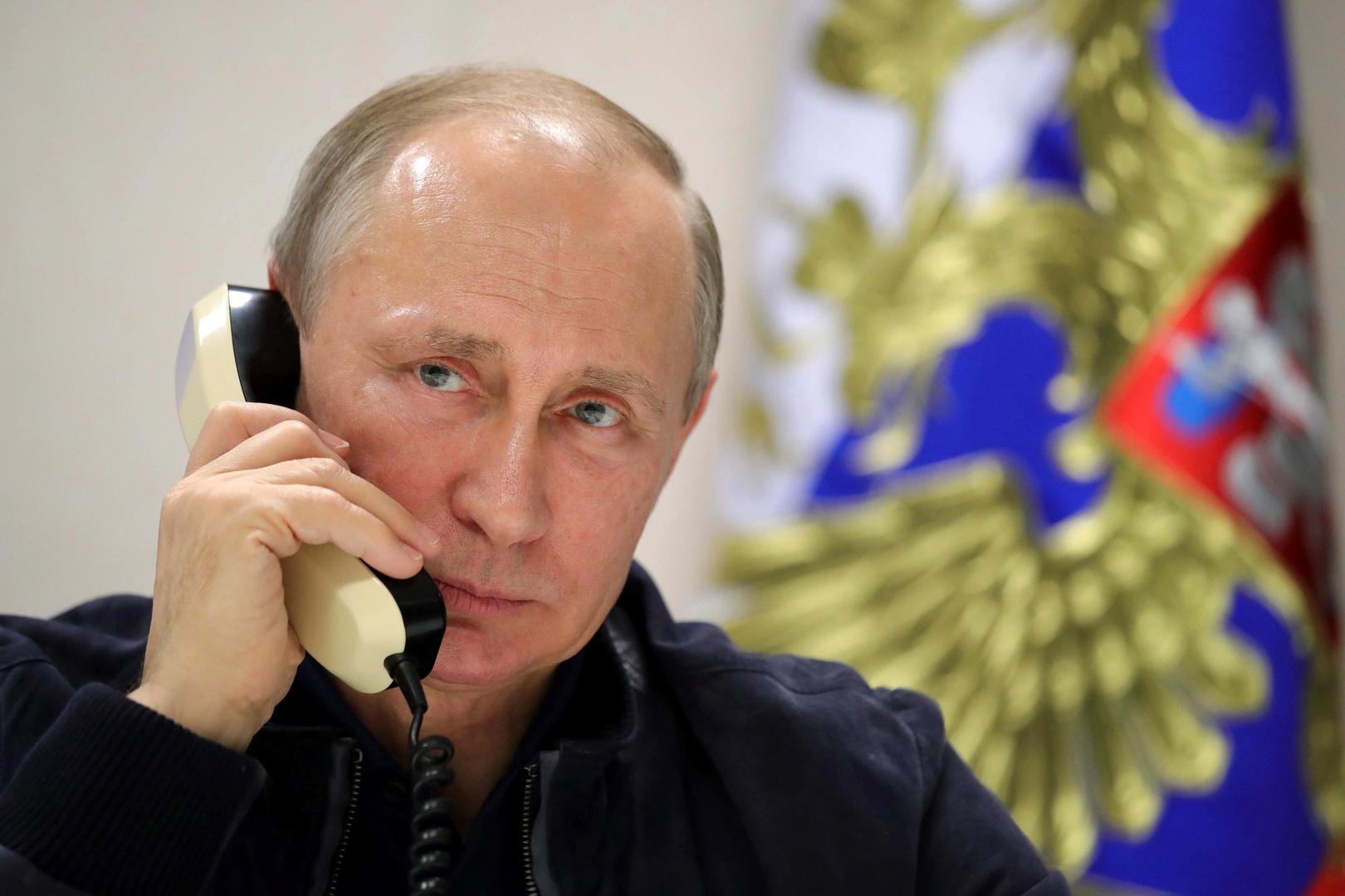 بوتين يوعز الحكومة بتكثيف جهود محاربة فيروس HIV