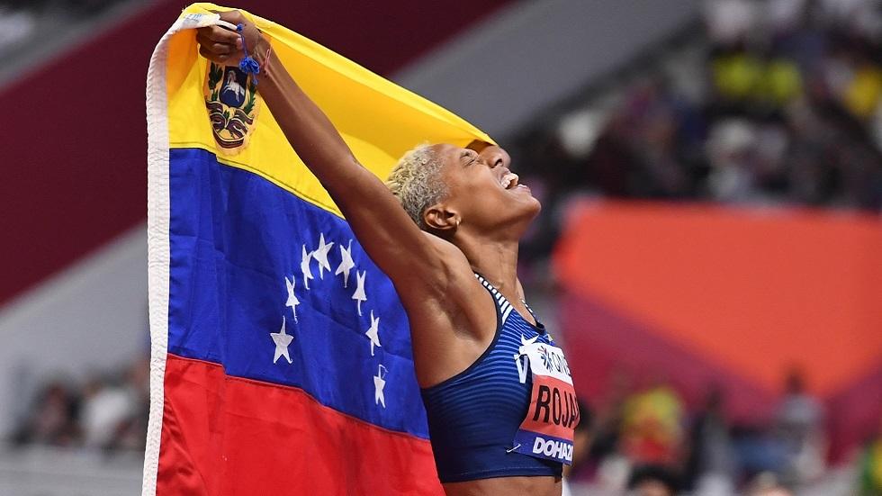 الفنزويلية روخاس تحطم الرقم القياسي العالمي في الوثب الثلاثي (فيديو)