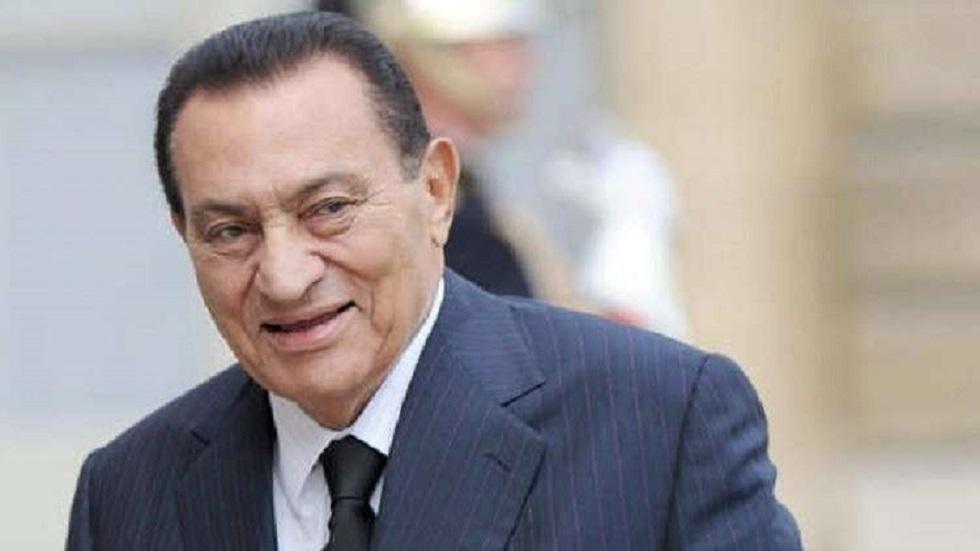 الرئيس المصري الأسبق حسني مبارك في العناية المركزة (فيديو)