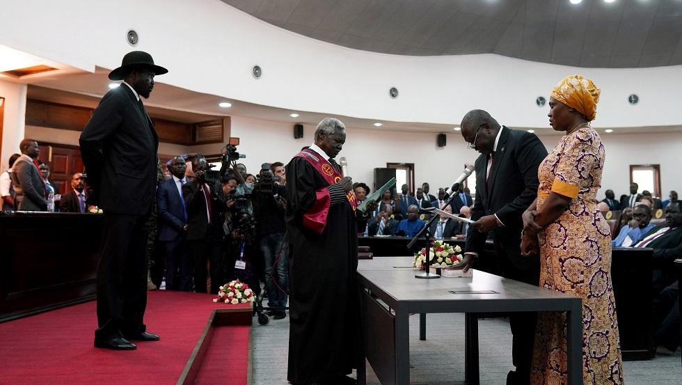 جنوب السودان.. رياك مشار يؤدي اليمين نائبا لسلفا كير