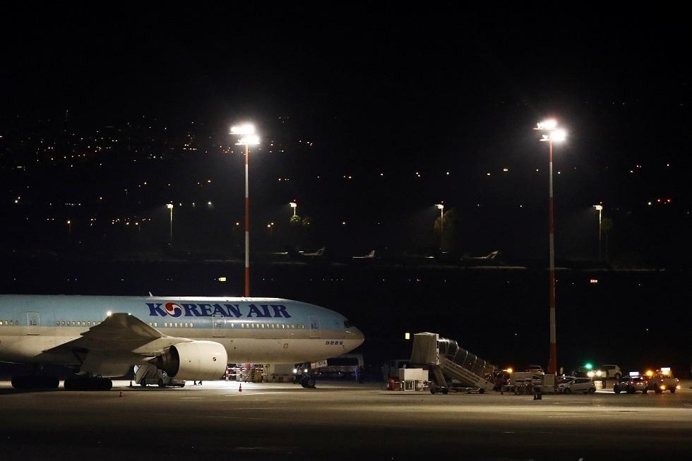 إسرائيل تمنع ركاب طائرة كورية من الدخول إلى مطارها وتعلن حالة الاستنفار