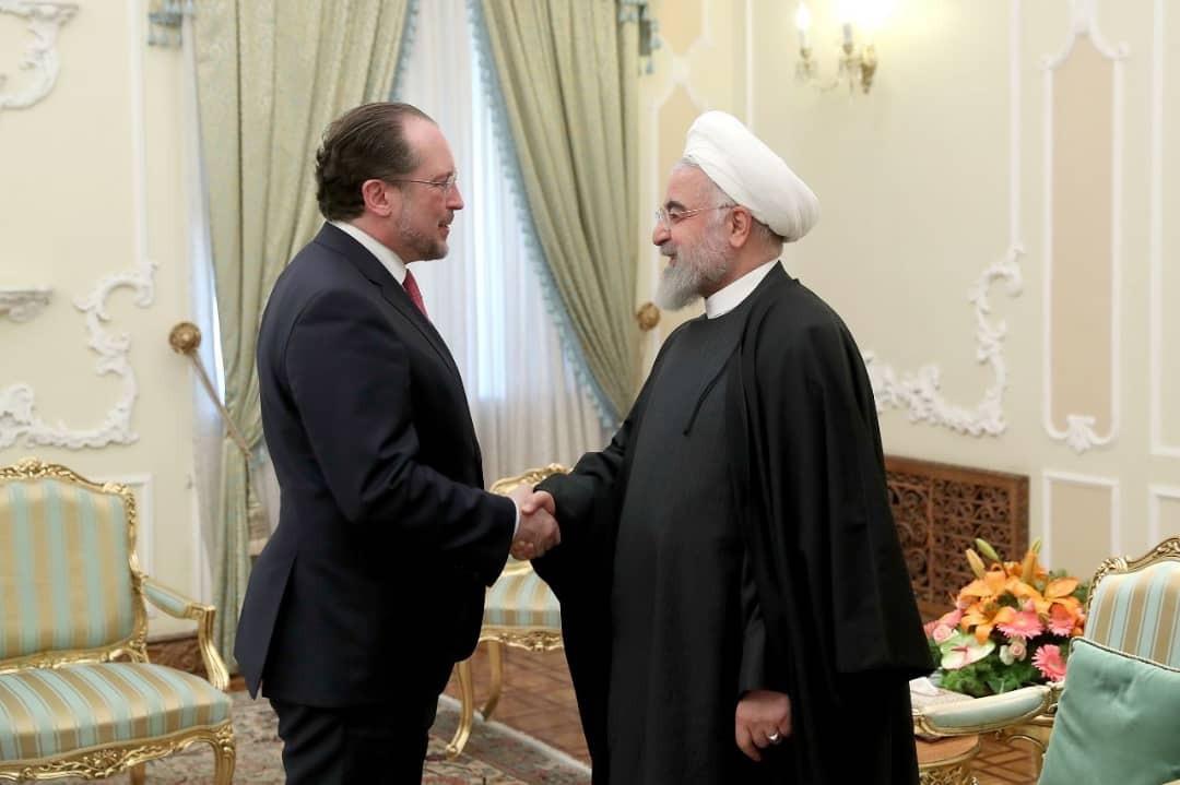روحاني: العقوبات الأمريكية كفيروس