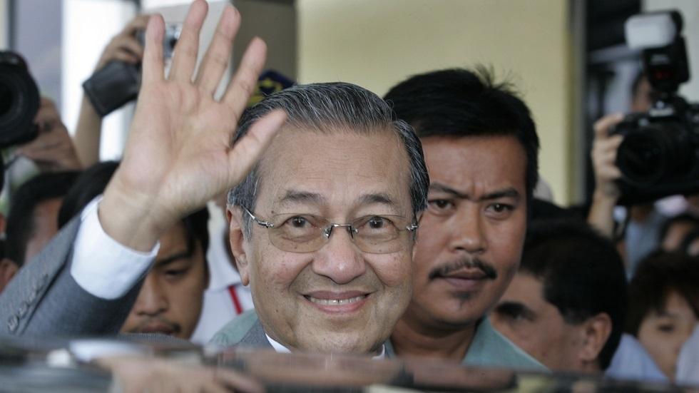 رئيس الوزراء الماليزي المستقيل مهاتير محمد