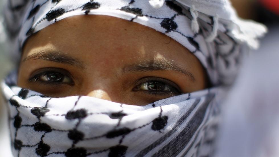 وزير الصحة الأردني: الشماغ فعال مثل الكمامات للوقاية من